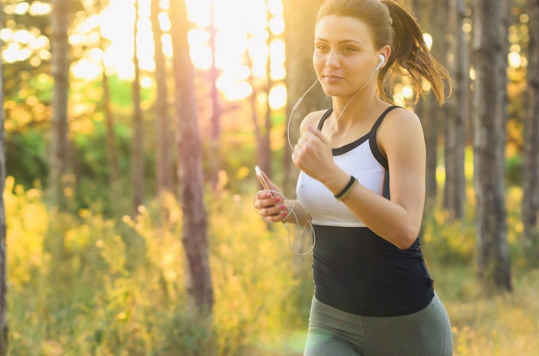 Correr Ouvindo Música Melhora o Desempenho?