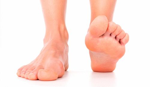 A influência dos pés no corpo e no treino